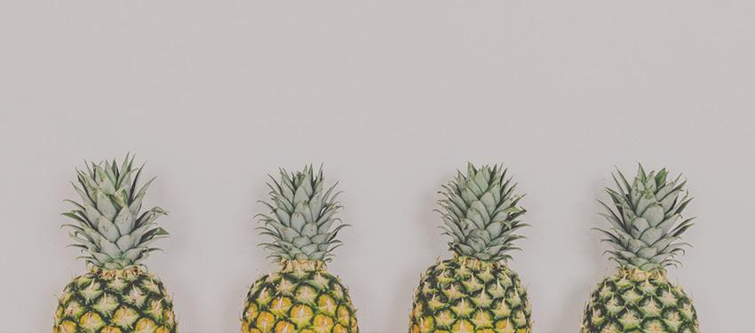 4 ананаса